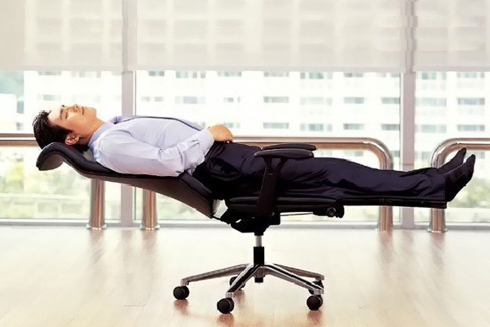 the benefits of a good office chair - burketts office products